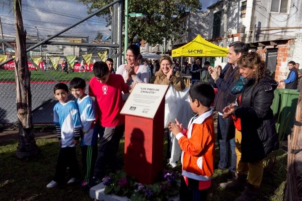 Exitosa iniciativa público-privada para hacer de una villa un barrio