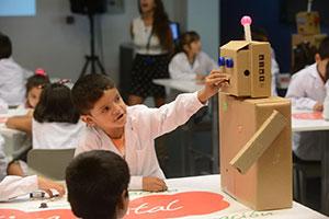 Fundación Telefónica presentó sus actividades y talleres educativos