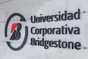 Primer egresado internacional de la Universidad de Bridgestone