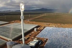 Usan energía solar para desalar agua y cultivar en el desierto