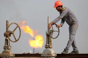 La OPEP evalúa mayores recortes a la producción de petróleo