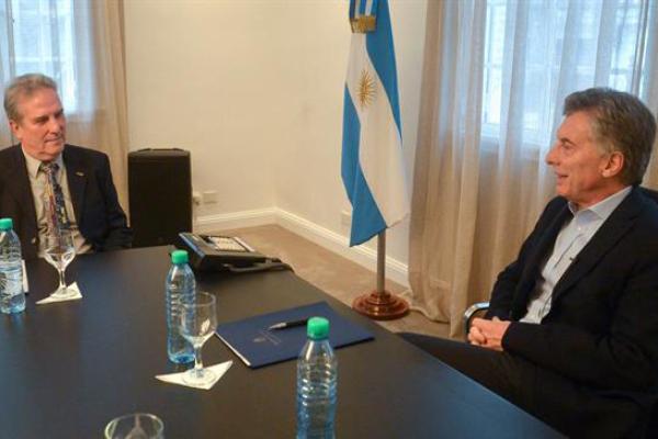 Macri recibió al científico premiado por su método sustentable de extraer litio