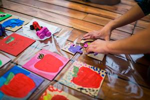 Invitan a fabricar juguetes para donar en el Día del Niño