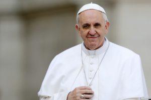 El Papa Francisco donó 25.000 euros para luchar contra el hambre en África