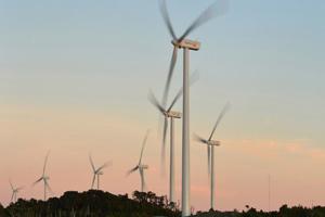 Instalan en Tailandia los generadores eólicos más altos de Asia