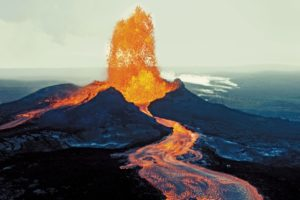 El volcán Kilauea amenaza a una planta geotérmica en Hawai