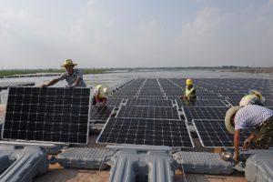 China recorta la demanda de paneles solares y cae la demanda de plata